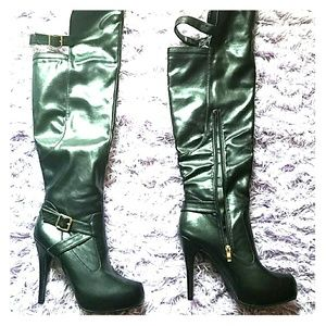 Bellatrice over the knee black high boots NWOT
